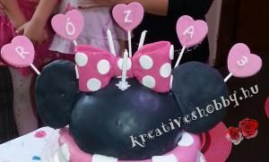 Emeletes Minnie egér-torta fej-része Eszterházy tortából