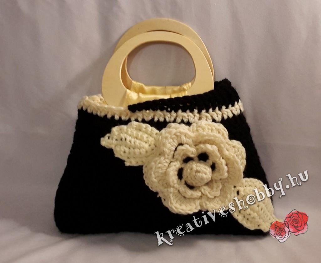 Horgolt virágos táska