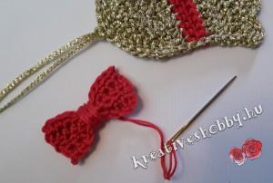 Horgolt karácsonyi harang: a piros masni
