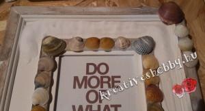 Kagylós képkeret: felragasztjuk a sót