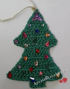 Csillogó, horgolt fenyő karácsonyfadísz