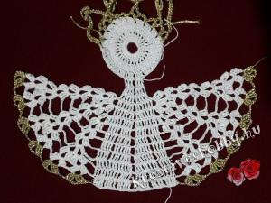Nagy horgolt angyal: a test felső része és a szárnyak szegélye