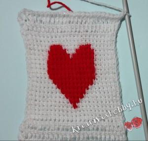 Szíves tuniszi sál: a szív minta (TKP)