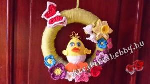 Horgolt húsvéti ajtódísz