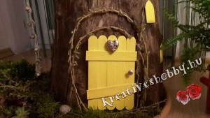 Tündérkert: a farönk-házikó ajtaja