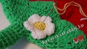 Horgolt epres hálózsák: a virág felvarrása
