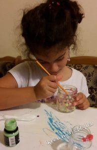 Világító befőttesüveg: pettyeket festünk az üvegek belsejébe