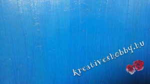 Antikolás: repesztett kék háttér