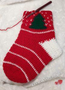 Horgolt Mikulás-zokni: a zokni szára