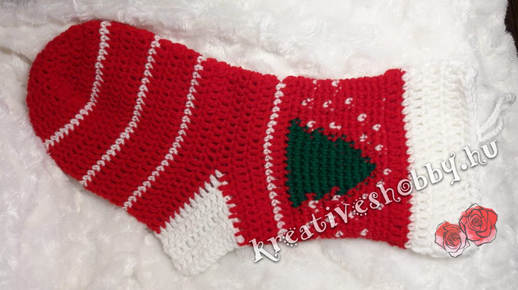 Horgolt Mikulás-zokni