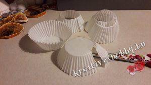 Muffin-papír fenyők: a kapszlik kivágása
