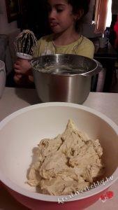 Gyömbéres keksz: hűtőben pihentettük 2 órát