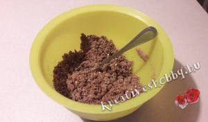 Áfonyás sajttorta sütés nélkül: a tészta