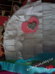 Unikornis-piñata: apró díszítés