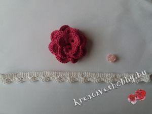 Horgolt rózsás nyakék: összeállítás